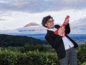 インスタコードが完成した日、初冠雪の富士山と撮った写真