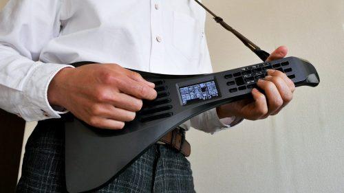 インスタコードはギターに似た形状の楽器です